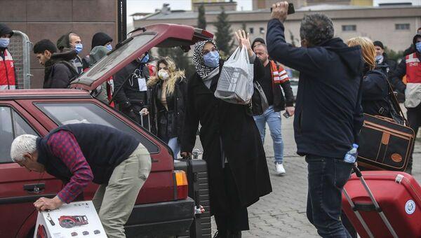 Avrupa'dan gelenlerin karantina yurtlarından tahliyesi - Sputnik Türkiye