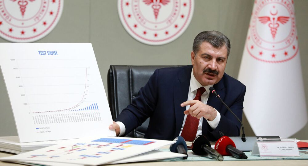 Sağlık Bakanı Fahrettin Koca, Koronavirüs Bilim Kurulu toplantısı sonrası düzenlenen basın toplantısında test sayılarını açıkladı