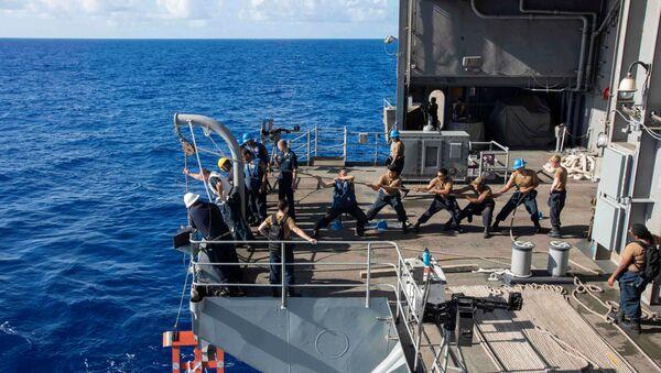 ABD'nin USS Theodore Roosevelt uçak gemisi  - Sputnik Türkiye