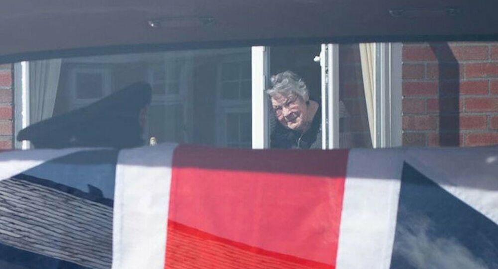 Susan Cadogan, eşine pencereden veda etmek zorunda kaldı.