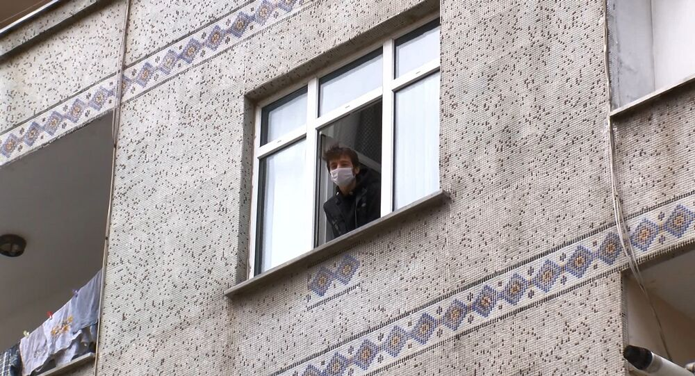 Bağcılar'da karantinaya alınan apartman