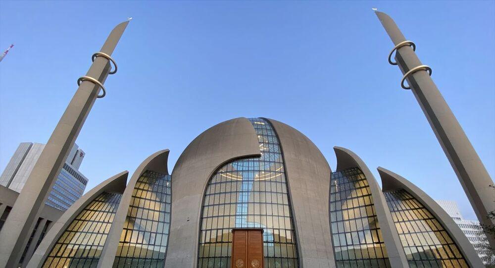 Almanya'nın Köln kentinde bir ilk: 'Koronavirüsle mücadelede ...
