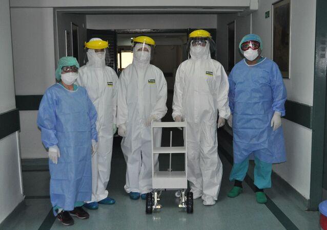 İstanbul Üniversitesi İstanbul Tıp Fakültesi Hastanesi - robot