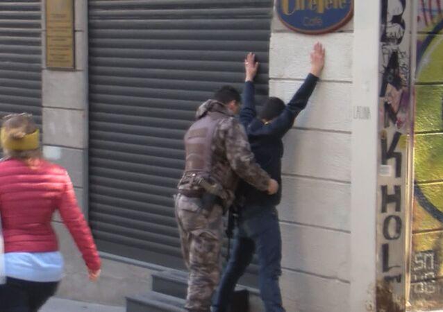 İstiklal Caddesi'nde öksürüklü gasp girişimi