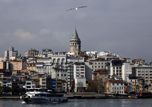 Koronavirüs salgınında Galata Kulesi, İstanbul