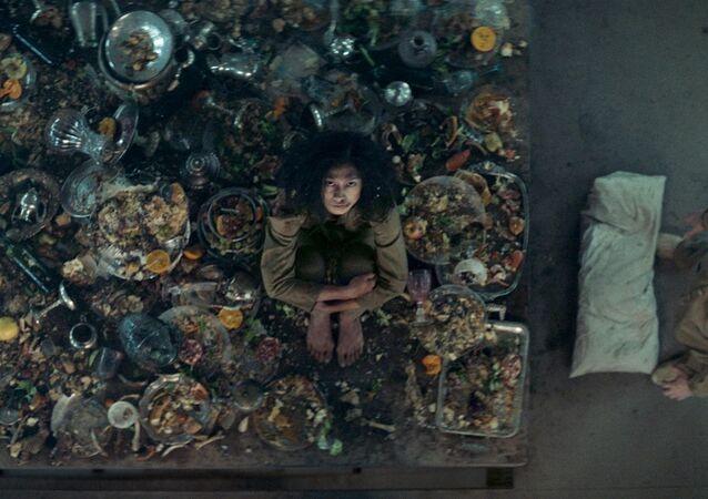 Netflix'te yayınlanan koronavirüs günlerinin popüler İspanyol filmi 'The Platform' (El Hoyo)