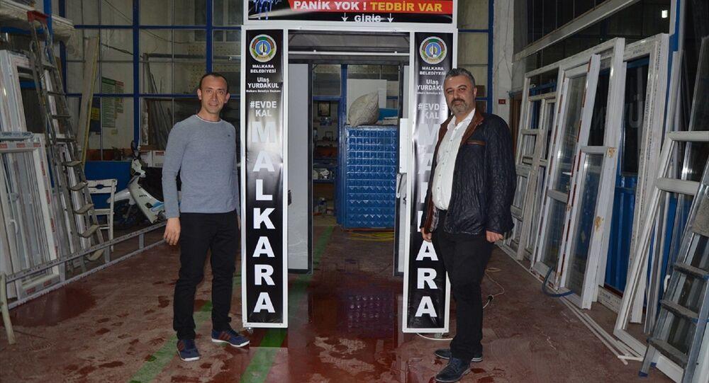 Tekirdağ'da bir usta 24 saatte koronavirüse karşı dezenfeksiyon kabini yaptı