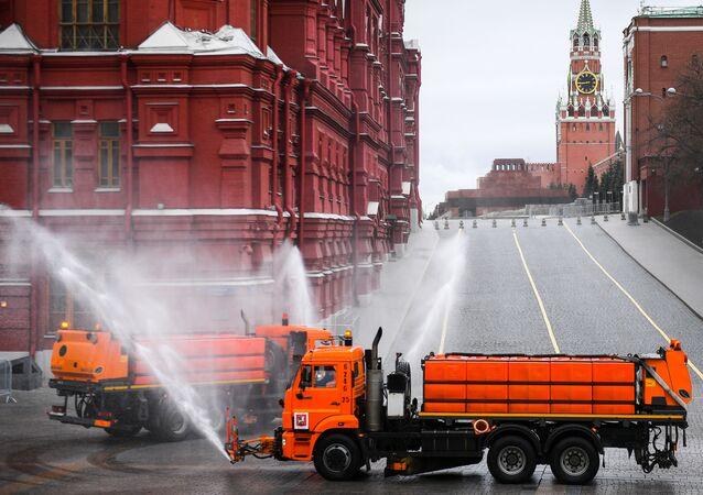 Kızıl Meydan'da dezenfekte çalışmaları