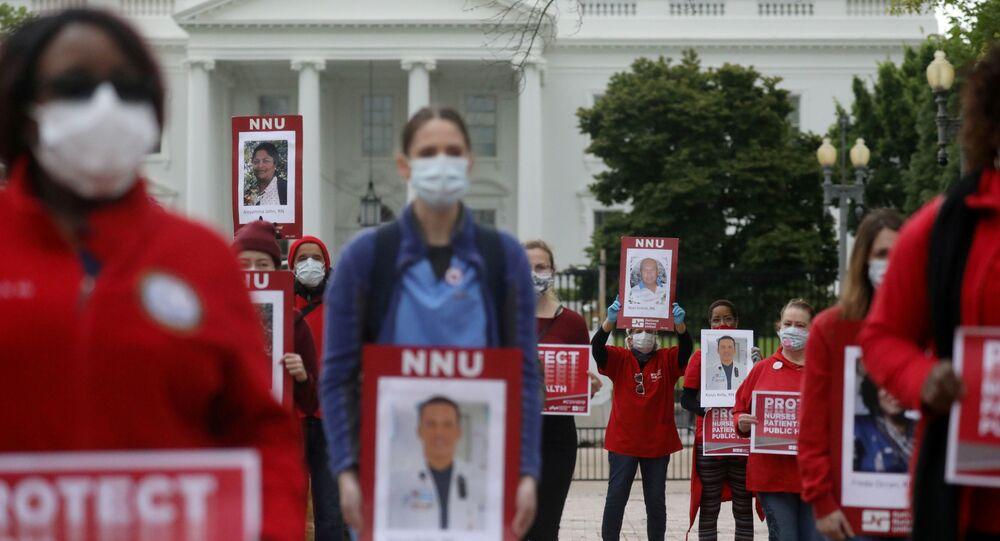 Beyaz Saray önünde ABD'li hemşirelerin koronavirüs protestosu