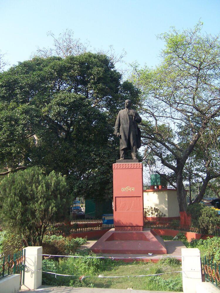 Hindistan'ın Kalküta kentinde yer alan Lenin heykeli