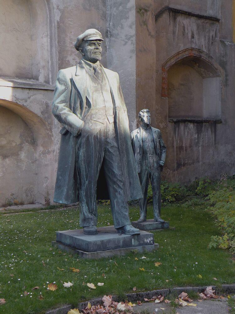 Çek Cumhuriyeti'nin Heb kentinde bulunan Lenin heykeli