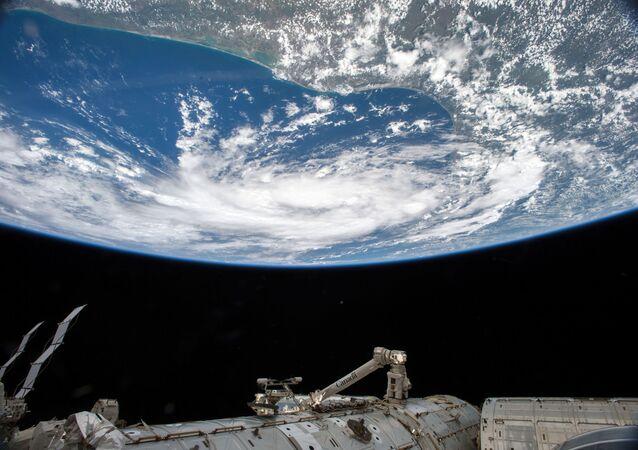 Uluslararası Uzay İstasyonu'ndan görüntülenen tropikal fırtına