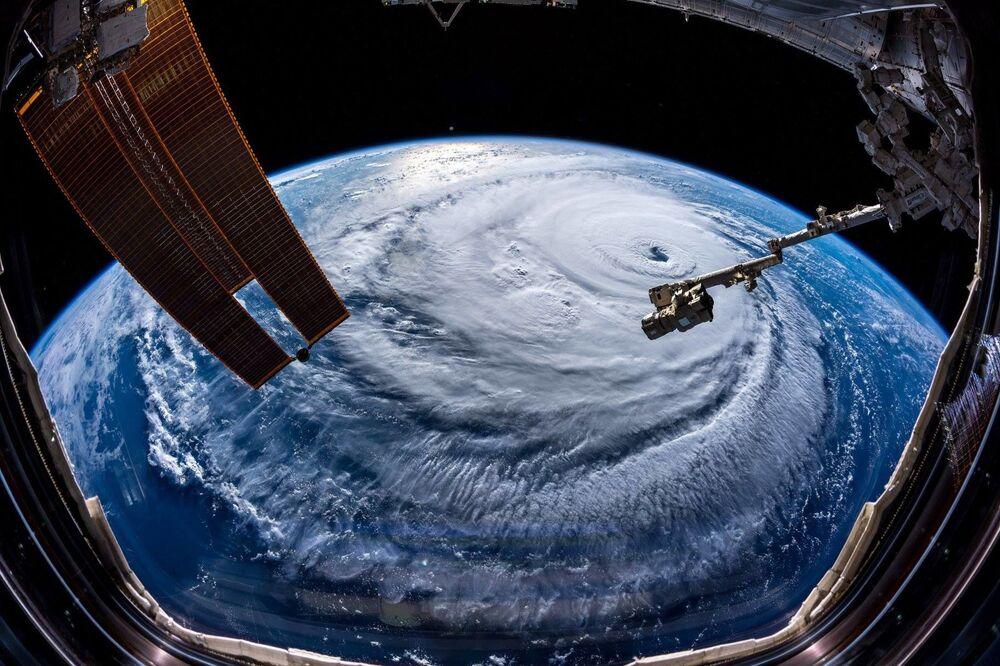 Astronot Alexander Gerst tarafından çekilen Florence kasırgası görüntüsü