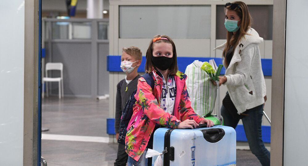 Russian tourists from Antalya-Moscow flight leave Sheremetyevo International airport