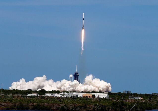 Starlink uydu ağının 6'ncı halkası 60 uydu, SpaceX üretimi Falcon 9 roketiyle ABD'nin Florida eyaletindeki Cape Canaveral Üssü'nden fırlatıldı.