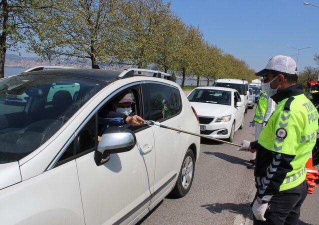 Polisten tutma aparatlı önlem