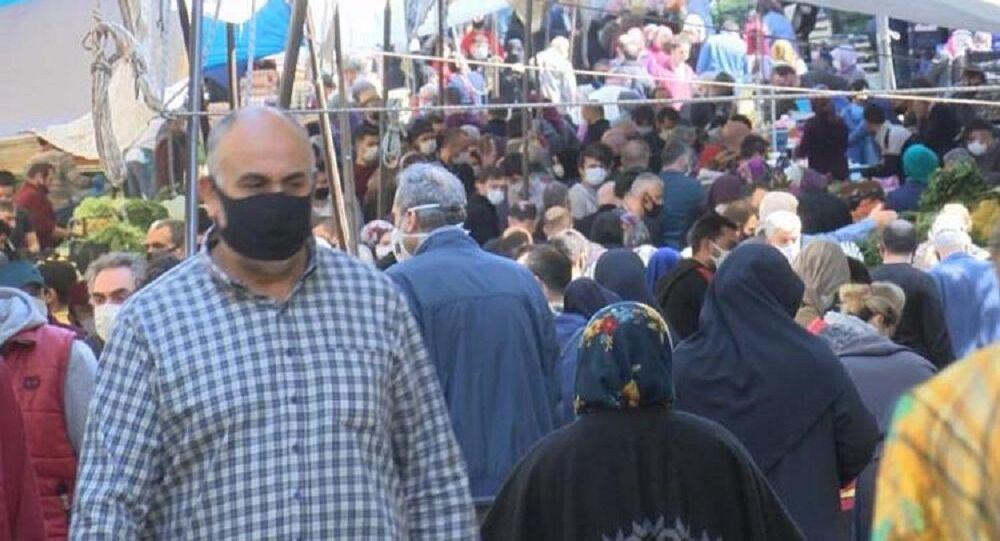 Gaziosmanpaşa pazarında büyük kalabalık