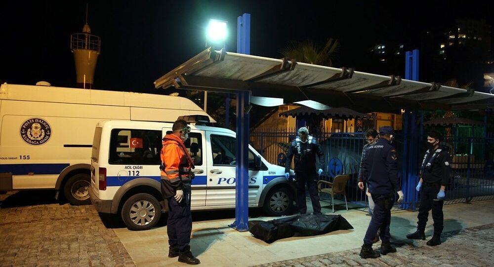 Antalya'da fotoğraf çektirmek isterken 35 metreden denize düşen kadın öldü