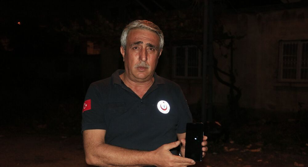 """Adana'da, Amerikan roket, uydu ve uzay mekiği üreticisi SpaceX'in uzaya gönderdiği Starlink uyduları çıplak gözle görüldü. Sağlık çalışanı olan Murat Dülgeroğlu, Hasta bırakıp, hastaneden çıktığımız sırada gökyüzündeki mavi cisimleri gördüm"""" dedi."""