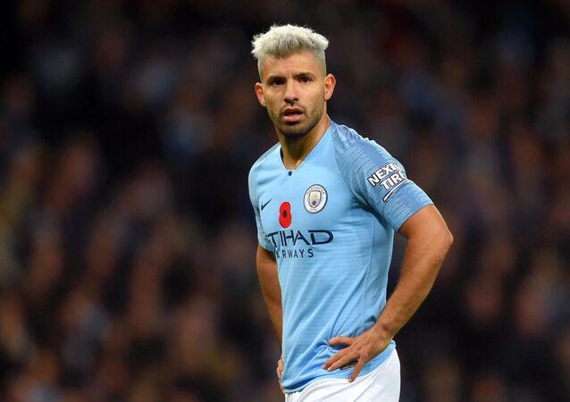 İngiltere Premier Lig ekiplerinden Manchester City'de forma giyen Sergio Agüero