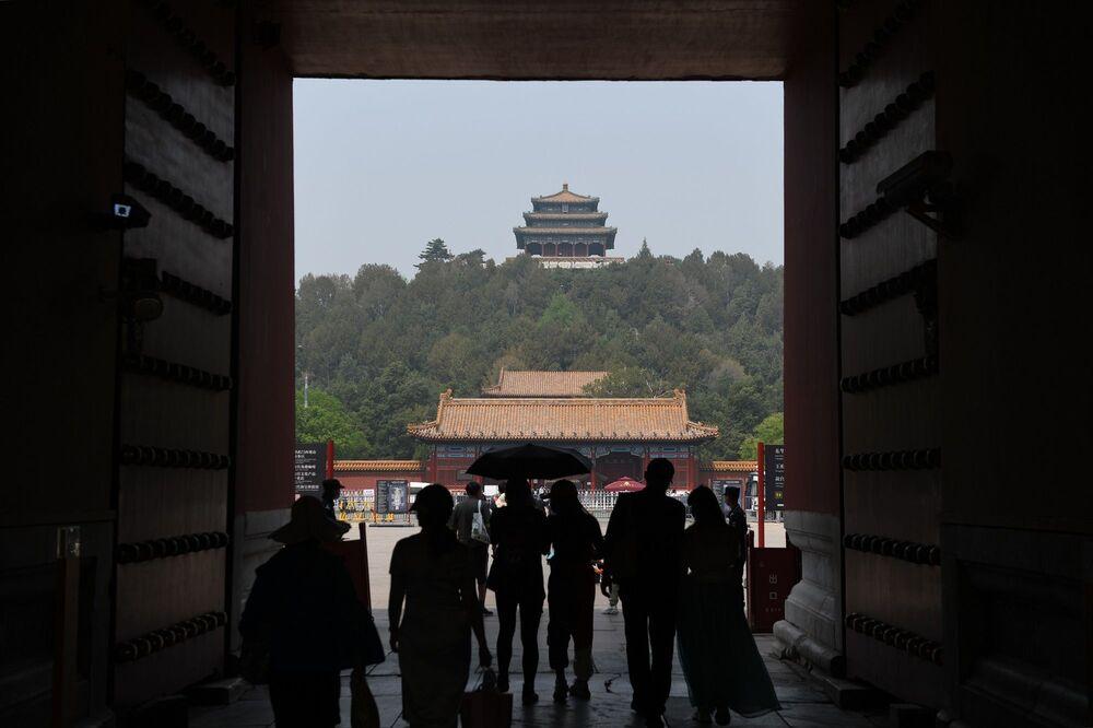Çin'de bugün 6'sı yurt dışı kaynaklı olmak üzere 12 kişide Kovid-19 tespit edilirken, son 16 günde salgın kaynaklı ölüm gerçekleşmedi.