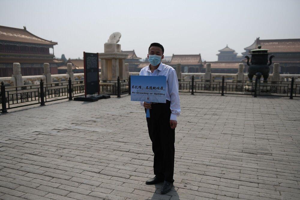 Başkent Pekin'de önceki gün Kovid-19 alarm seviyesi, en yüksek derece birden ikiye düşürülmüştü.