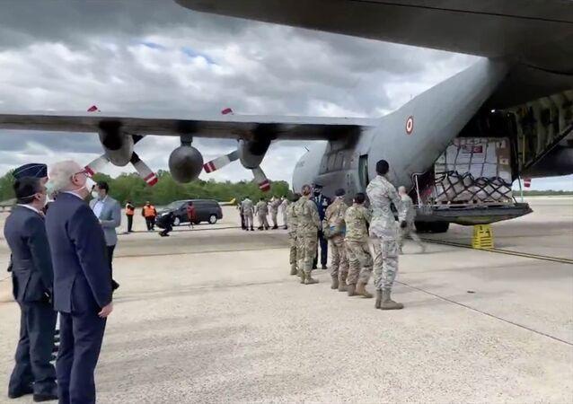 Türkiye'nin ABD'ye ikinci tıbbi yardım paketi taşıyan askeri kargo uçağı, Andrews Hava Üssü'ne indi.