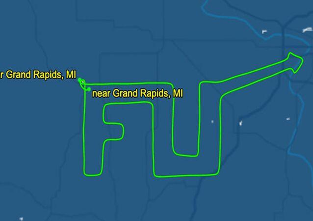 ABD'li pilottan valiye 'küfürlü' uçuş