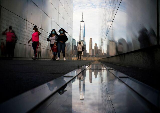 ABD'nin New York eyaletinde bazı park ve anıtlar aşamalı açılıyor.