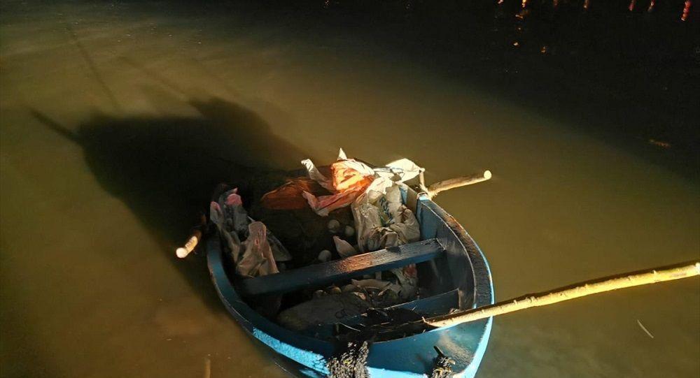 Kaçak avlanan 10 ton inci kefali suya bırakıldı