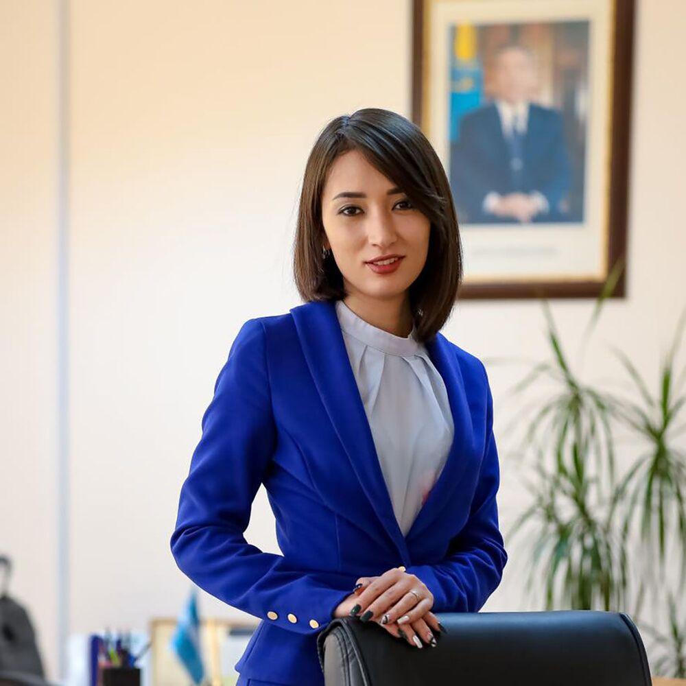 Kazakistan Başbakanlık Sözcüsü Zarina Nurlanova