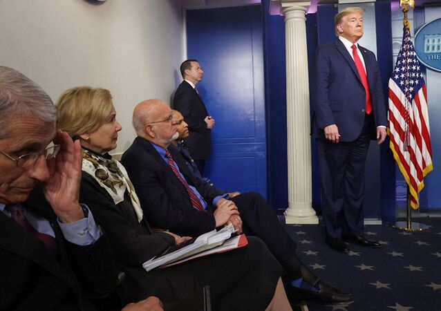 Beyaz Saray'da koronavirüs basın toplantısı, Trump ve Beyaz Saray'ın koronavirüs ekibi