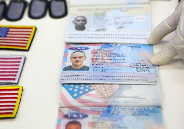 Venezüella'daki darbe girişimine katılan eski ABD askerlerinin kimlik bilgilerini gösteren belgeler