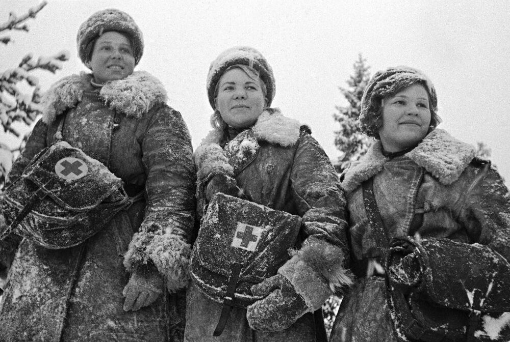 Büyük Vatanseverlik Savaşı yıllarında cephede görev alan kadın hemşireler, Ocak 1942