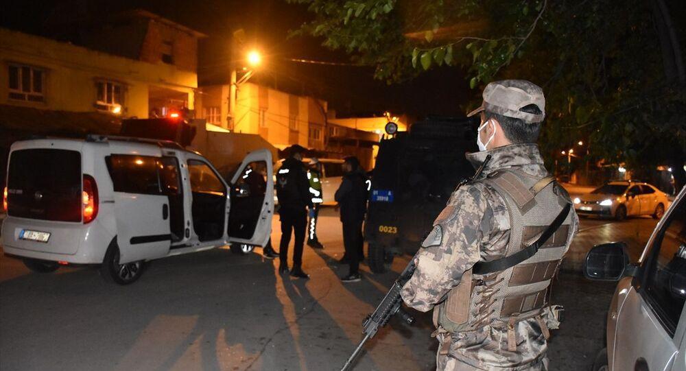 Adana'da 540 polisle helikopter destekli narkotik uygulaması ...