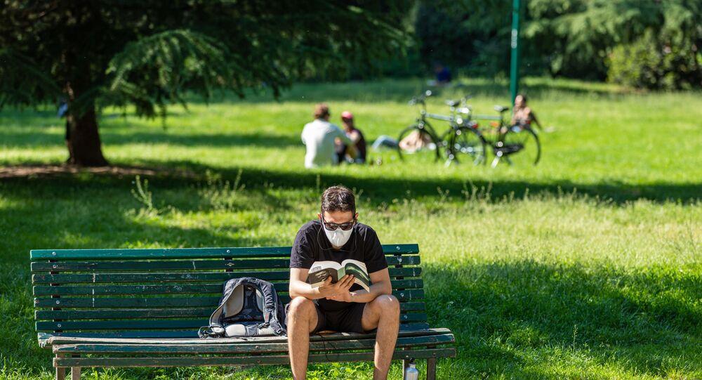 İtalya - Milan - maske - koronavirüs