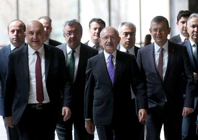 Özgür Özel, Engin Özkoç, Kemal Kılıçdaroğlu