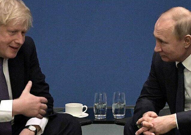 İngiltere Başbakanı Boris Johnson, Rusya Devlet Başkanı Vladimir Putin
