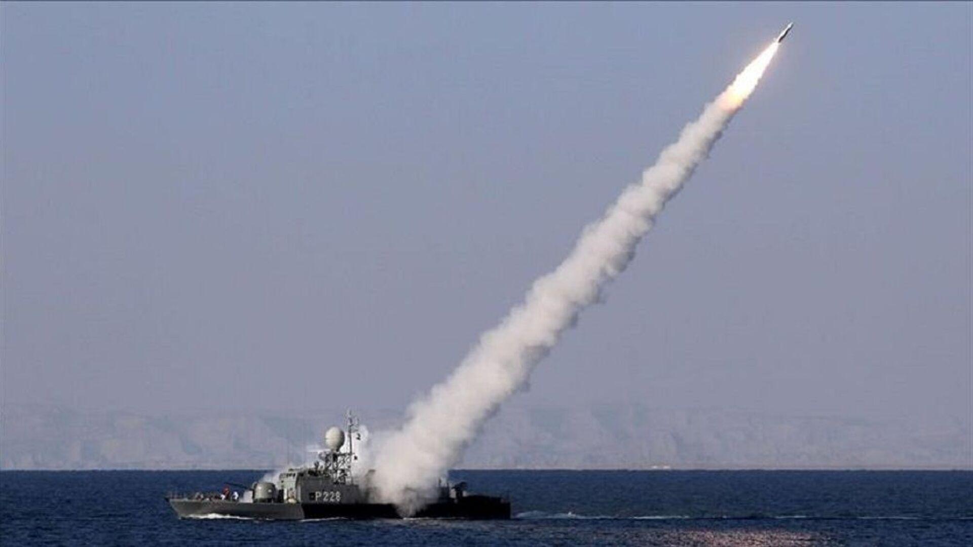 İran medyası: Basra Körfezi'nde savaş gemisi yanlışlıkla vuruldu - Sputnik Türkiye, 1920, 23.08.2021