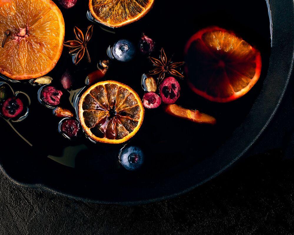 Yarışmanın Genç Fotoğafçı (11-14) kategorisinde birincilik kazanan İngiliz  Alex Forbesk'in Sıcak Şarap çalışması