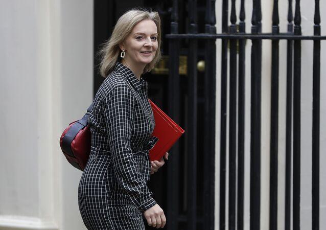 İngiltere Uluslararası Ticaret Bakanı Elizabeth Truss