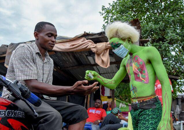 Tanzanya - koronavirüs + maske – dezenfektan