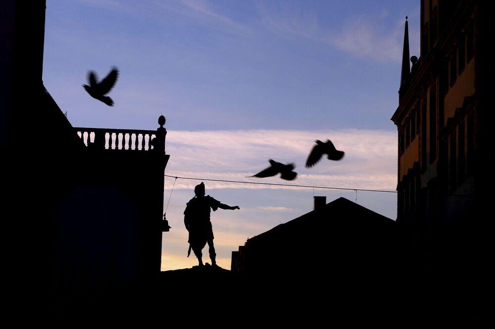 Almanya'nın Augsburg kentinden gün doğumu manzarası