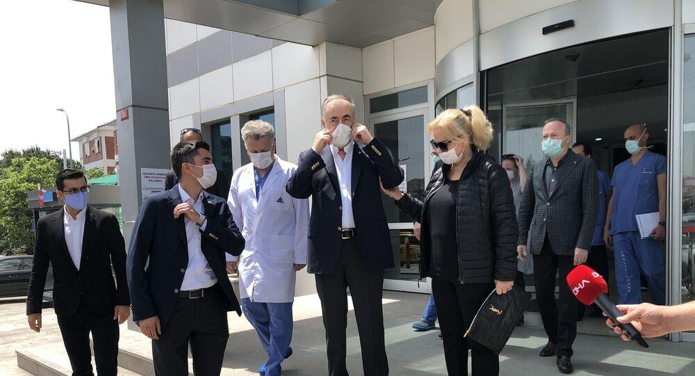 Galatasaray Başkanı Mustafa Cengiz, 7 Mayıs'ta geçirdiği ameliyatın ardından tedavi gördüğü hastaneden taburcu edildi.