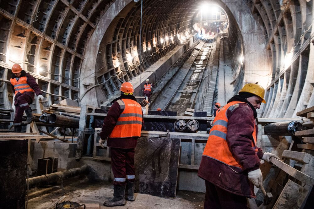 Moskova metrosunda farklı görevlerde 60 binden fazla kişi çalışıyor