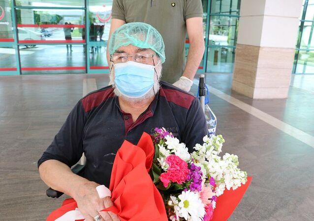 Kahramanmaraş'ta 74 yaşındaki bir vatandaş, koronavirüsü ikinci kez yenerek taburcu oldu.
