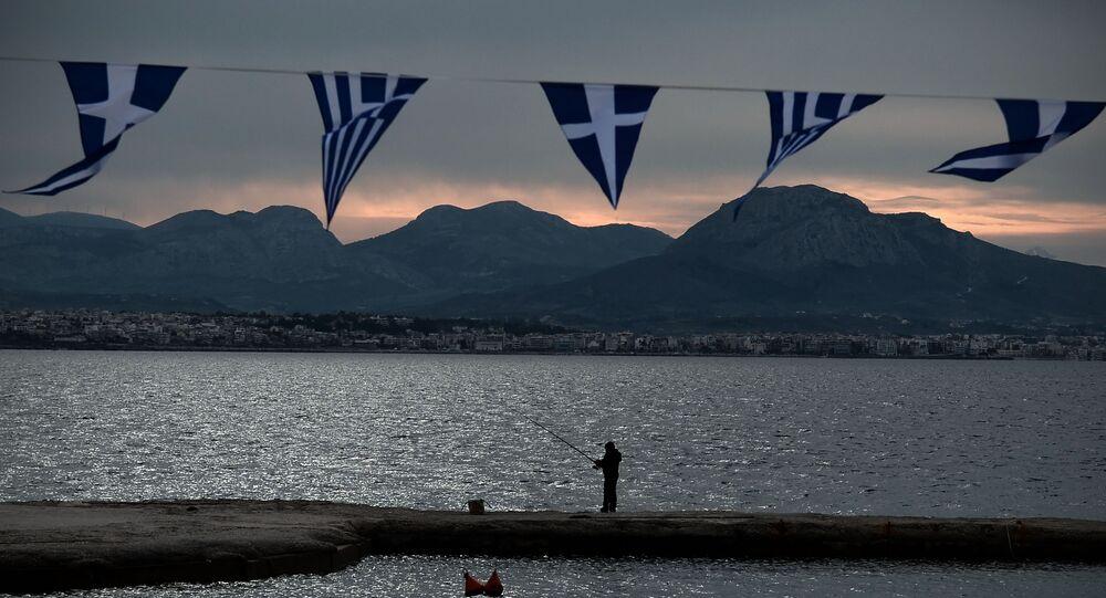 Balık tutma - Yunanistan -  Yunanistan'ın Korint Körfezi'nde yer alan Loutraki