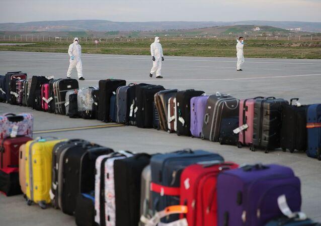 Yurt dışından Türkiye'ye getirilen vatandaşlar