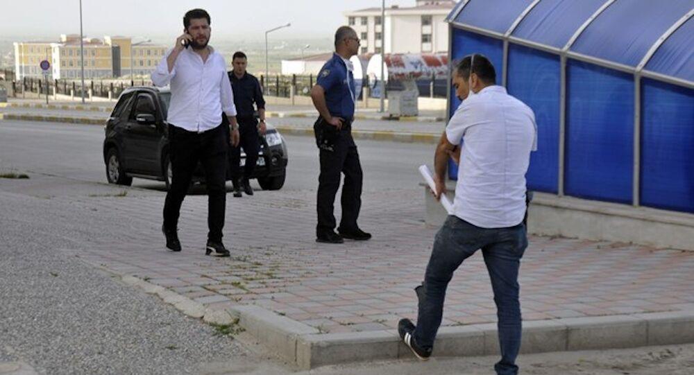 Tutuklanan 16 yaşındaki genç, cezaevine götürülürken firar etti
