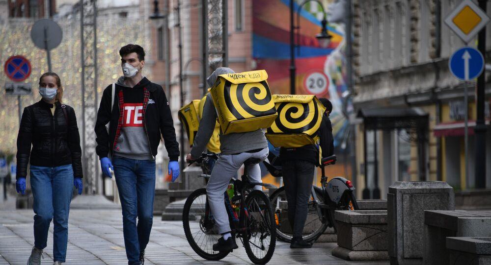 Rusya - maske - koronavirüs - Moskova